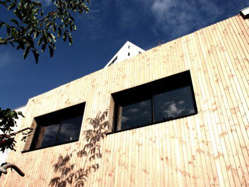RENOVATION ENERGETIQUE : Transformation d'une maison en bande. Toiture végétale et isolation par l'extérieure (ITE) – Toulouse 31